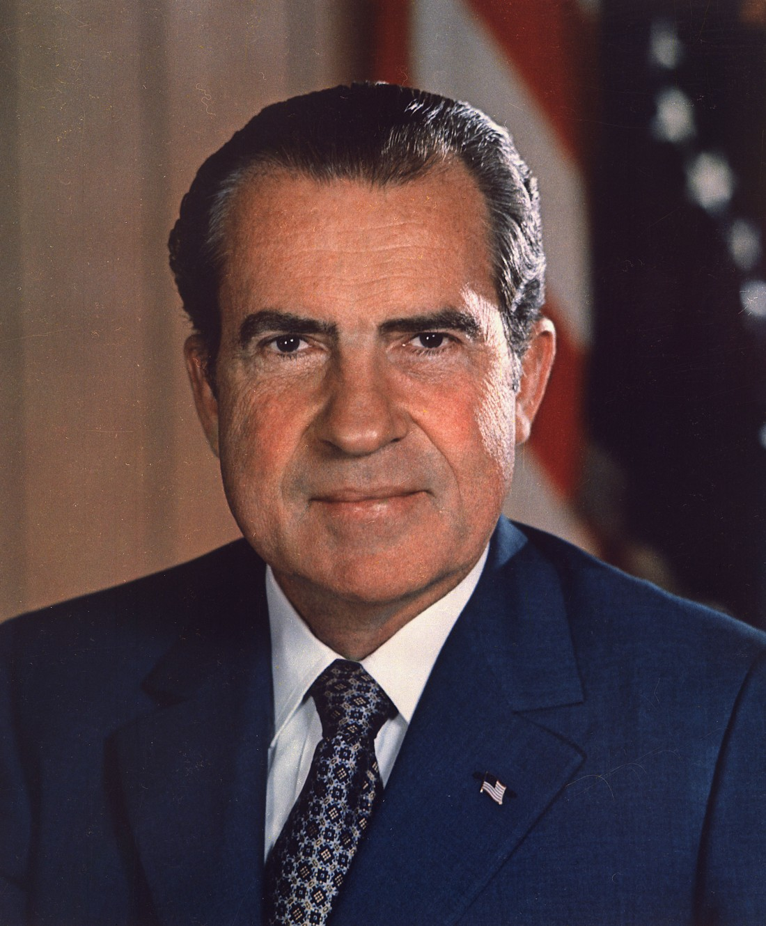 Richard_Nixon_presidential_portrait.jpg